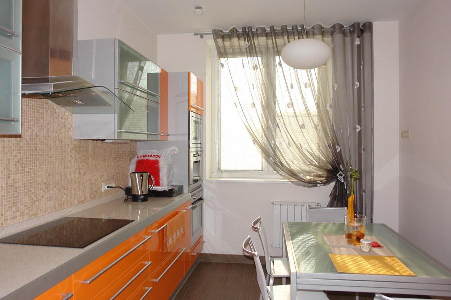 Дизайн кухни какие шторы
